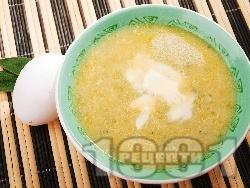 Градинарска супа от тиквички, яйца и кашкавал - снимка на рецептата